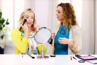 Makeup Expert Anna K instructs Jaleah