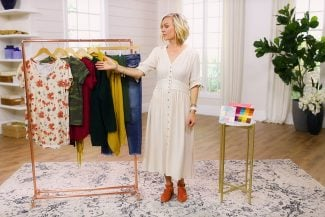 Sarah showing how you can make 8 outfits out of just 8 items