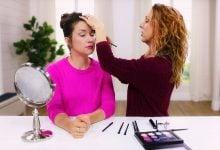 Anna K applies makeup to Kalista