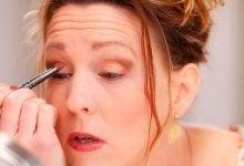 Anna K teaches 4-color eyeshadow.