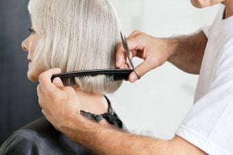 Women with gray hair at the hair stylist