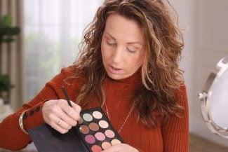 Anna K shows makeup cocktails